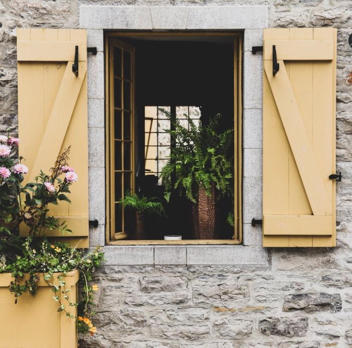 Ανοιγόμενα ξύλινα παράθυρα
